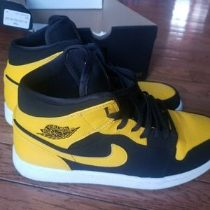 Nike Shoes Deadstock Jordan 1 Mid New Love Poshmark